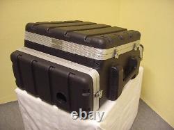 10/2/4 HE Kunststoff Kombi-Case Winkelrack L-Rack DJ-Workstation Kunststoffrack