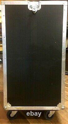 16-Unit Vertical/10-Unit Slant Mixer Rack Case with Casters