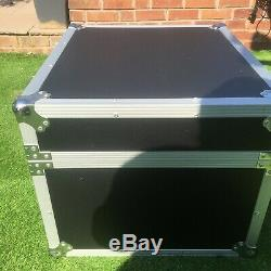 19 inch Rack Mount Flight Case, 6U For P. A. Or Disco. Externall Size