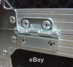 4U 19 Sloped Rack Mount Mixer Swan Flight Case (Hex)