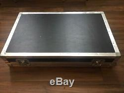 ATA Flight Road Case with Wheels for Behringer Mixer Or Pedal Board 34 x 21 x 7