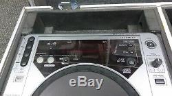 DJ Mixer Set with 2x Pioneer CDJ-800, Mackie ProFX8 & Road Ready Hard Travel Case