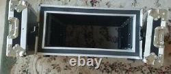 EWI 6RU Rackmount Hard case. Foam in lids, rubber feet. 181/2 Deep. Black