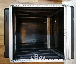 Gator Cases GRC-10X8 10U Top, 8U Side Slanted Top Audio Console Rack Used