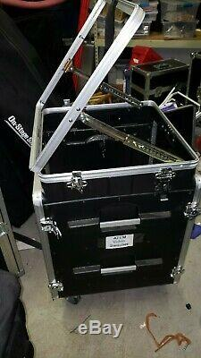 Gator GRC-10X12 PU 12-Space Rolling Rack Case with 10-Space Pop-Up Slant Top