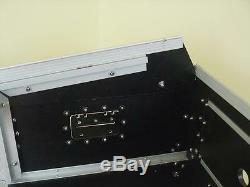 Laptop Kombicase 4/10 HE Nootebook Winkelrack L-Rack mit Laptop Ständer DJ Rack