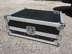 Mixer Flight Case Road Ready With Rack Rails