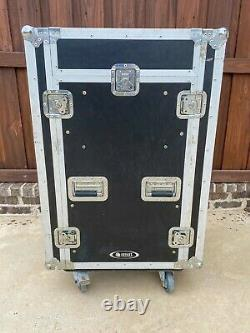 Odyssey FR1116WDLX ATA Flight Ready Combo Rack Case with Built-in Table
