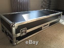 Odyssey FZGSDJ10W for Turntables and 10 Mixer Glide Style ATA Flight Case DEMO