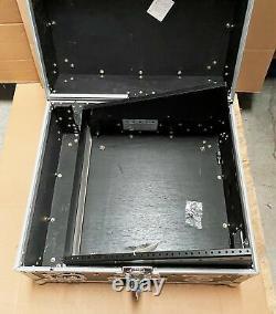 Road Runner Slant Mixer Rack Hard Case/Vertical Rack M2URR 23.9 x 15.4 x 21.5