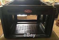 SKB 1SKB-R106 10U Over 6U Mixer Case. Shelfs Hardly Used