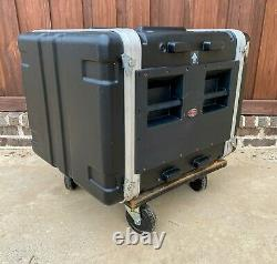 SKB 8U DEEP SHOCK MOUNT RACK CASE with WHEELS for POWER AMPS 20 to 24 deep