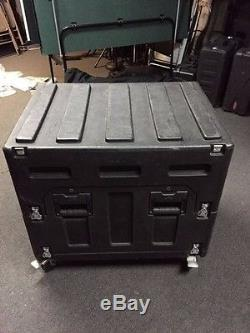 SKB Mighty Gigrig rolling mixer case