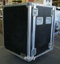 US Case 2-Door DJ Road Case